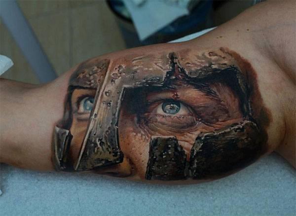 פני לוחם תלת מימדות על הזרוע