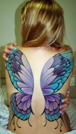 קעקוע כנפיים של פרפר גדול לגב