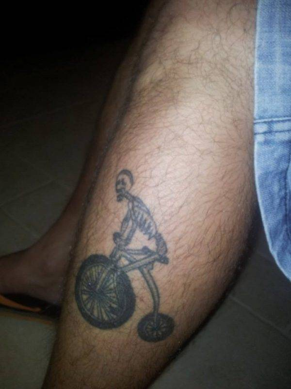 שלד רוכב על אופניים