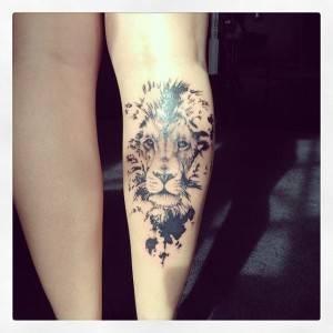 קעקוע ראש אריה שחור