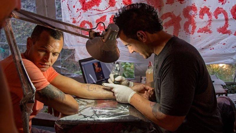 תמונת אלבום של D.N.A Tattoo