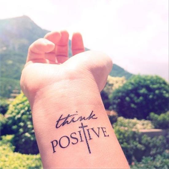 קעקוע Positive לפרק היד